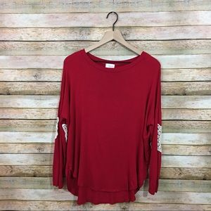 NWOT Fantastic Fawn Lace Elbow Patch Top - Red - L